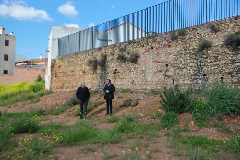 Inicio obra refuerzo muro antiguo colegio Barrioblanco 1