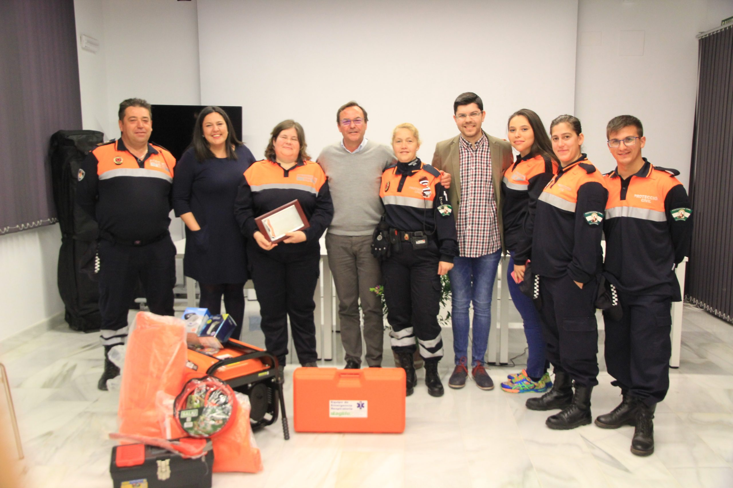 Entrega material agrupación Voluntarios Protección Civil 1